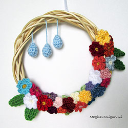 crocheted wreath by MagicalAmigurumi, patterns by planetjune