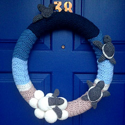 crocheted wreath by Marli2311, patterns by planetjune
