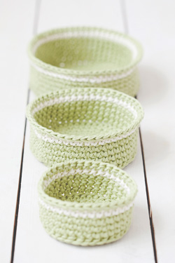 Idiot's Guides: Crochet by June Gilbank - Handy Baskets pattern