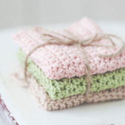 Idiot's Guides: Crochet by June Gilbank - Practice Project 1: Three Simple Washcloths