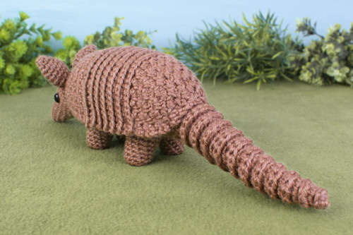 Armadillo crochet pattern by PlanetJune