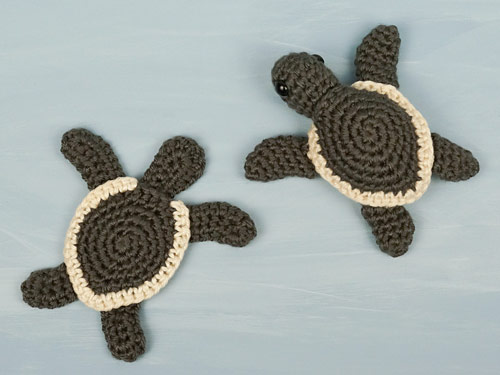 Baby Sea Turtle crochet patterns by PlanetJune