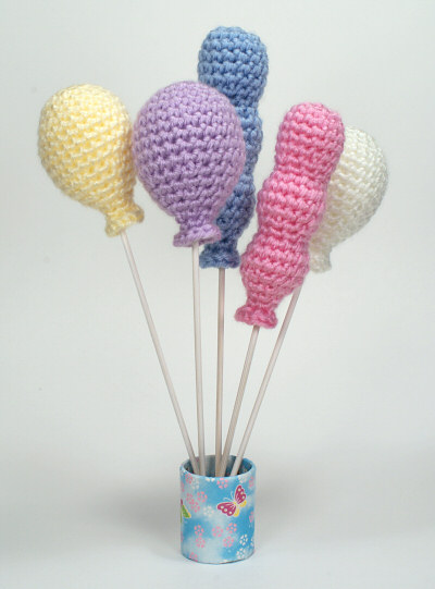 Ravelry: Humphrey Goes Flying - Elephant with Balloons pattern by ... | 541x400