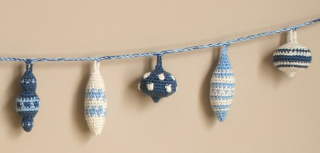 christmas baubles crochet pattern by planetjune