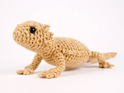 bearded dragon crochet pattern by planetjune