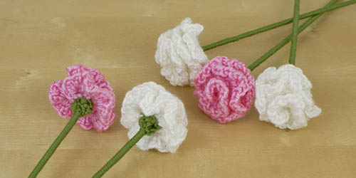 Carnations crochet pattern by PlanetJune