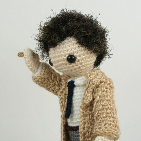Curly-Haired Julie Amigurumi Doll [Free Crochet Pattern] | 450x450