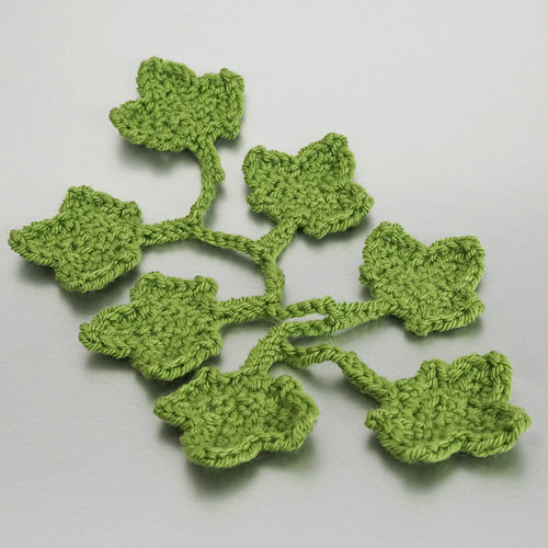 Christmas Decor Set 1 crochet pattern by June Gilbank: Ivy