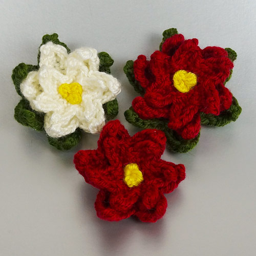 Christmas Decor Set 1 crochet pattern by June Gilbank: Poinsettia