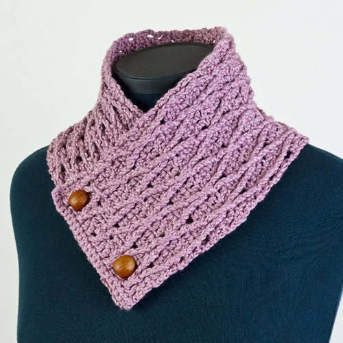 diamond lattice neckwarmer crochet pattern by planetjune