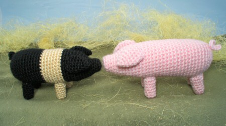 farmyard pigs amigurumi crochet pattern by planetjune