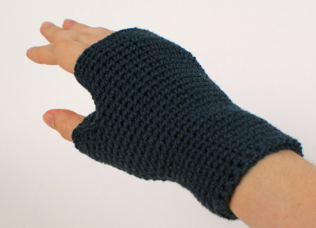 fitted crocheted fingerless gloves by planetjune