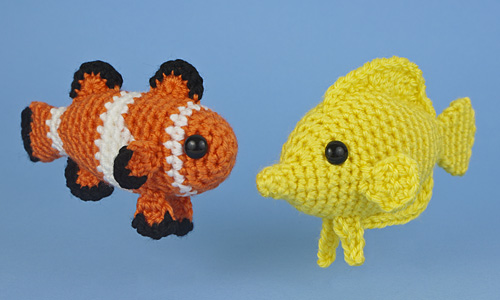 Aquaami Tropical Fish crochet patterns by PlanetJune. Set 1: Ocellaris Clownfish and Yellow Tang
