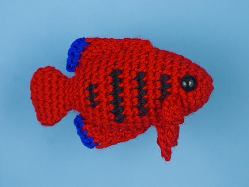 Flame AngelFish - part of Tropical Fish Set 4 crochet pattern by planetjune