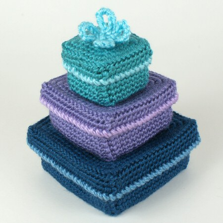 crocheted square gift boxes by planetjune