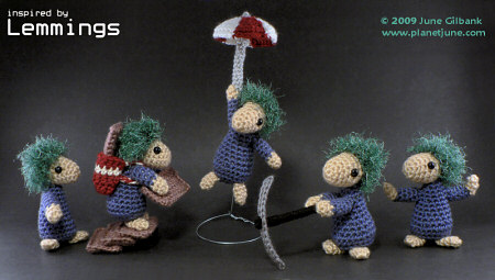 amigurumi lemmings, based on the Mop Top Mascots pattern by PlanetJune