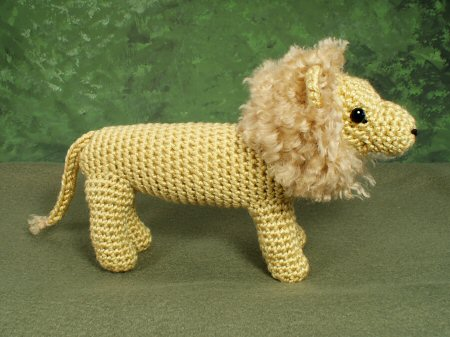 crocheted lion by planetjune