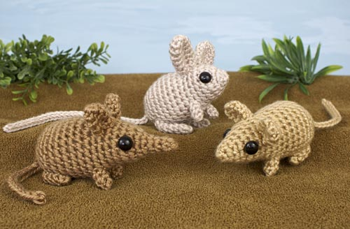 Mini Mammals (Sengi, Jerboa, Mouse) crochet pattern by PlanetJune