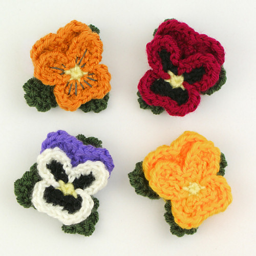 Pansies crochet pattern by PlanetJune