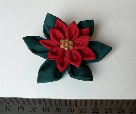 tsumami kanzashi poinsettia fabric flower