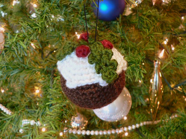 crocheted christmas pudding by planetjune