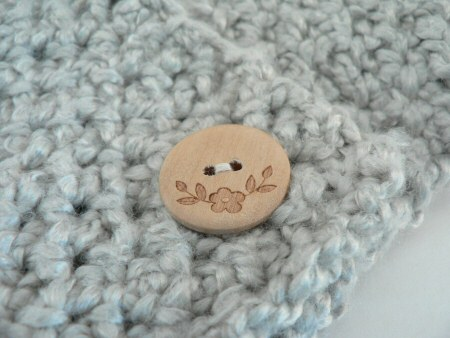 tunisian scarflet button detail