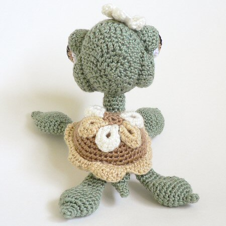 crocheted seaturtle