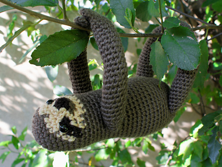 sloth amigurumi crochet pattern by planetjune