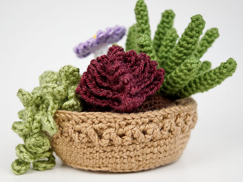 zig-zag pot decoration detail from Succulent Collections 3 & 4 crochet patterns by PlanetJune