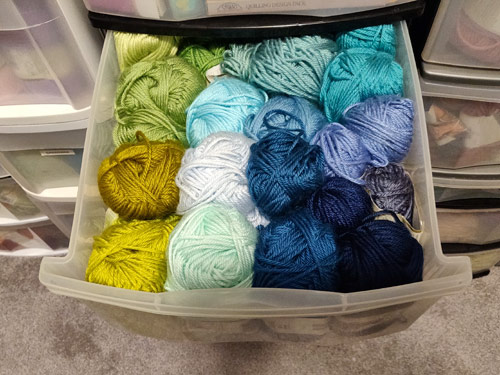 worsted weight yarn colour swatches