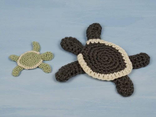 baby sea turtle applique crochet pattern by planetjune, made in crochet thread