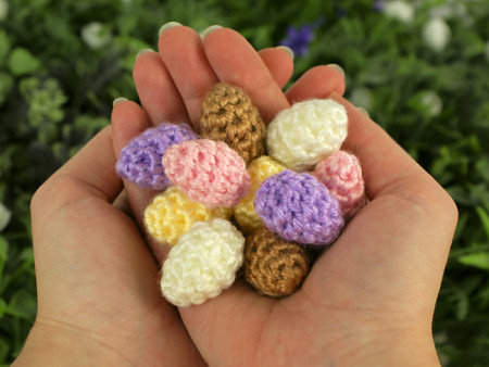 tiny eggs crochet pattern by planetjune