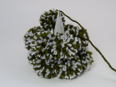pom-pom christmas tree tutorial