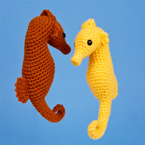 Mommy and Me Seahorse Amigurumi Loops & Love Crochet | 500x500