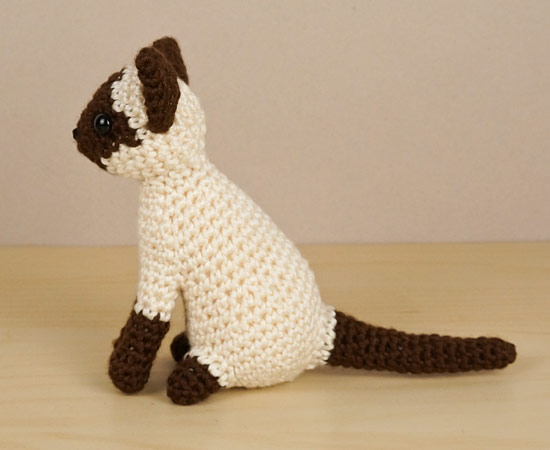 AmiCats Siamese Cat amigurumi crochet pattern - Click Image to Close