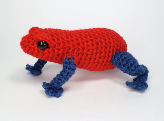 Prince Perry the Amigurumi Frog - PDF crochet pattern by Airali design | 478x650