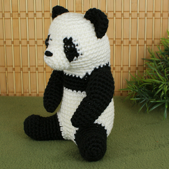 Amigurumi Bigfoot Panda : Giant Panda amigurumi crochet pattern : PlanetJune Shop ...