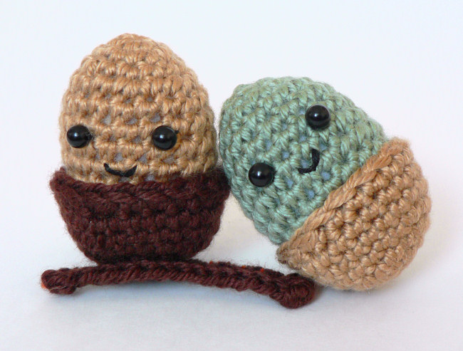 Amigurumi Acorn DONATIONWARE crochet pattern - Click Image to Close