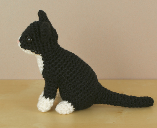 Large Ami Cat crochet pattern | Crochet patterns amigurumi ... | 450x550