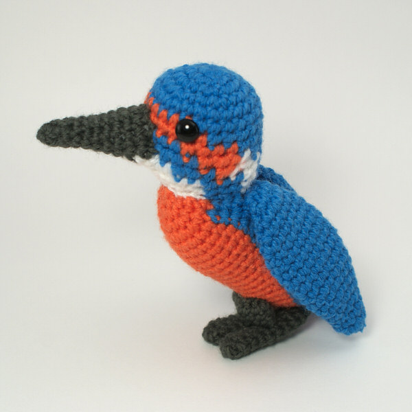 Kingfisher amigurumi bird crochet pattern - Click Image to Close