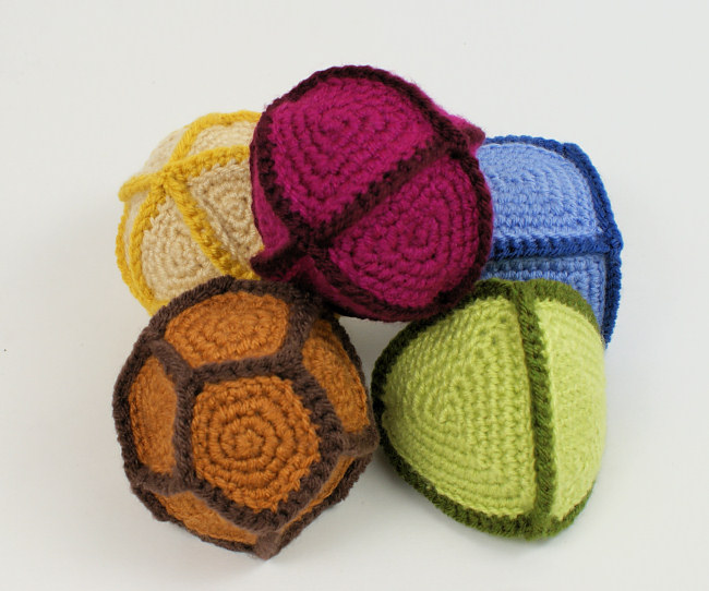 Polyhedral Balls: FIVE geometric crochet patterns - Click Image to Close