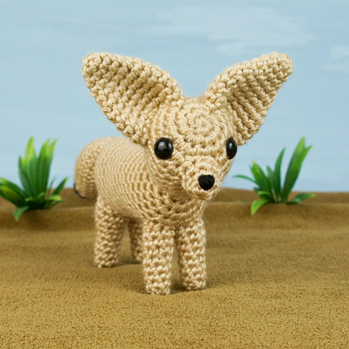 Red, Arctic & Fennec Foxes: THREE amigurumi crochet patterns - Click Image to Close