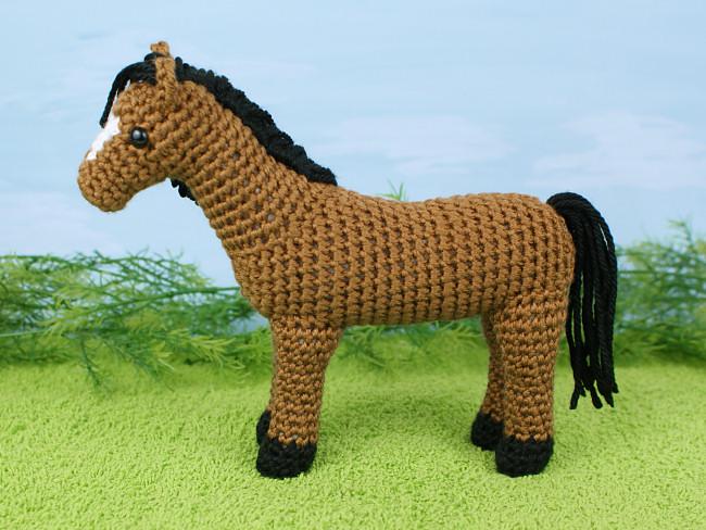 Comet the Unicorn | deluxe pony/horse crochet pattern ... | 488x650