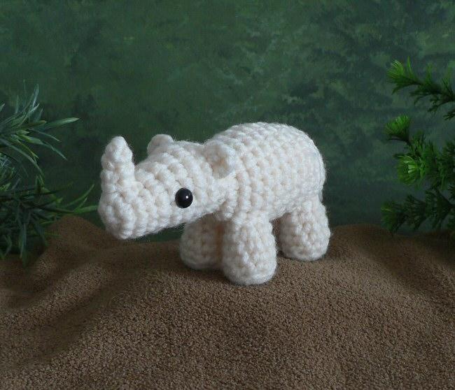 Star Wars Amigurumi Crochet Pattern Free : AfricAmi Rhinoceros amigurumi crochet pattern : PlanetJune ...